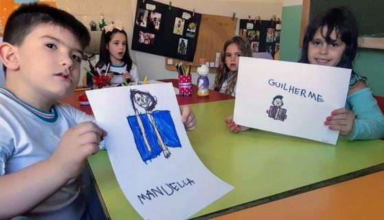 Pré Escolas com Inglês Carrãozinho - Pré Escola 5 Anos